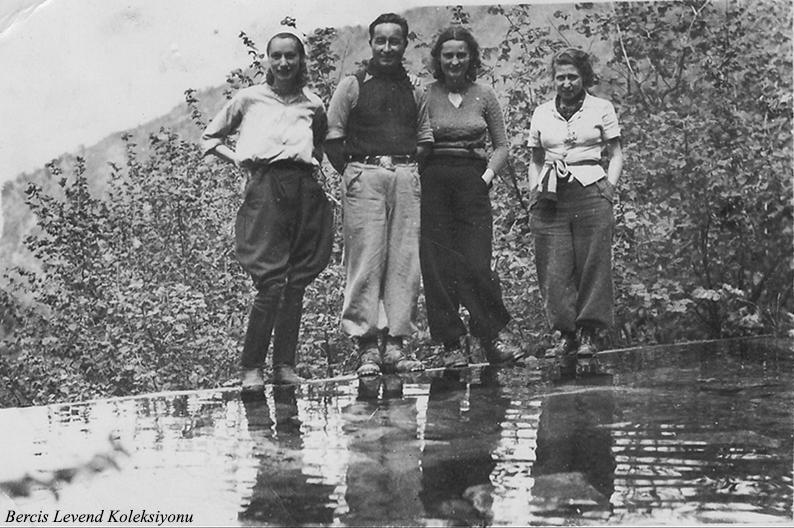 Gül Pınar Kaynağı - Soldan itibaren H. Muzaffer Kalkan , Saim ve Şahsine Altıok, Münevver Belen(1937)