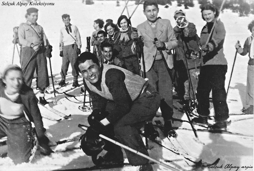 Sol başta Muzaffer Kalkan,arkasında Rauf Alpay,sağdan ikinci Şahsine Altıok, önünde Dündar Soyer 26.01.1936