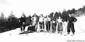 Yerde uzanan Musa Ataş,soldan ikinci Saim Altıok,yanında Rauf Alpay 29.03.1936